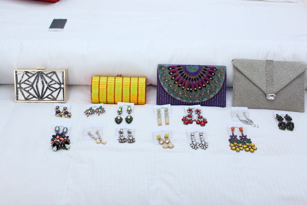 Bags (Mobos Fashion and Jewellrey (Zoyas Jewels) at the Maison Fahrenheit